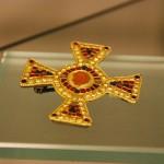Allamannische Kreuzfiebel mit antiker Karneolgemme